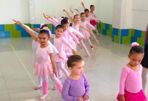 Grupo de Pre-Ballet International Garden