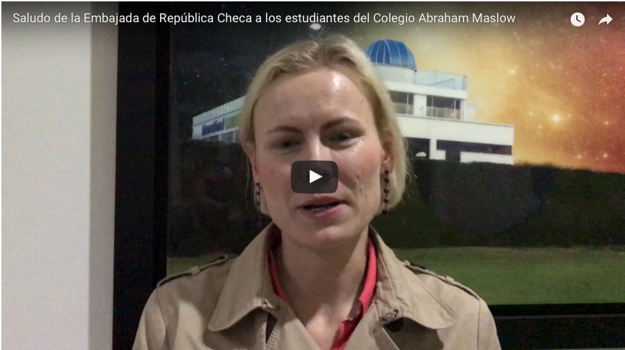 Saludo de la Embajada de República Checa a los estudiantes del Colegio Abraham Maslow