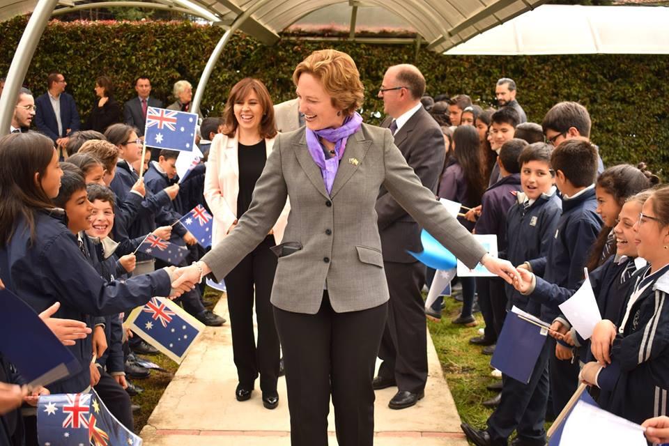 Excelentísima Embajadora de Australia Sophie Davies